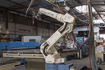 全自动焊接机器人建筑爬架焊接设备机械手