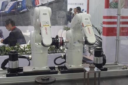 中國機器人產業發展特征和趨勢淺析